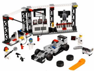 LEGO_Stand_McLaren_F1_ref_75911-1